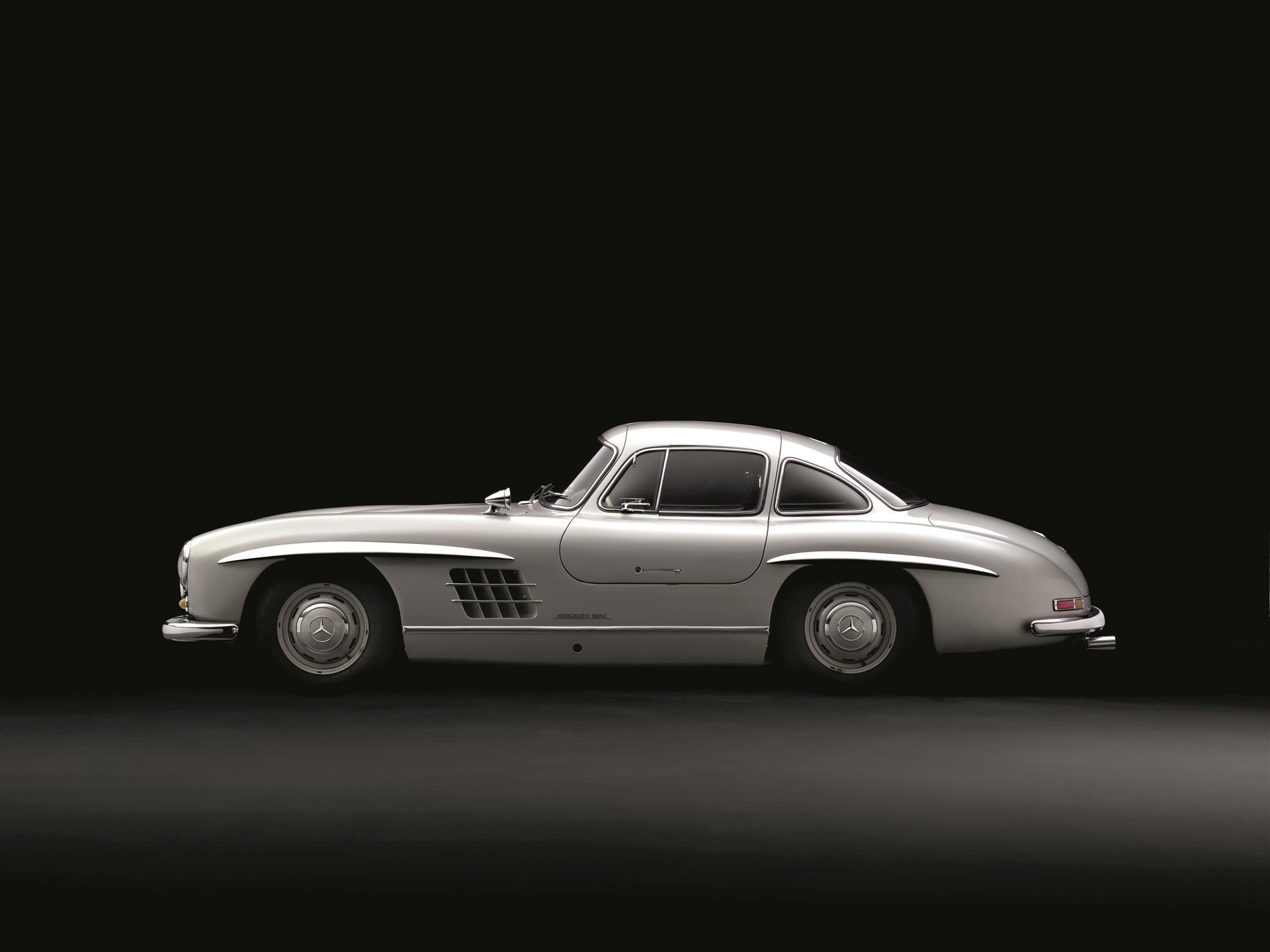 Mercedes benz 300sl a custom masterpiece le grand mag for Mercedes benz classic magazine
